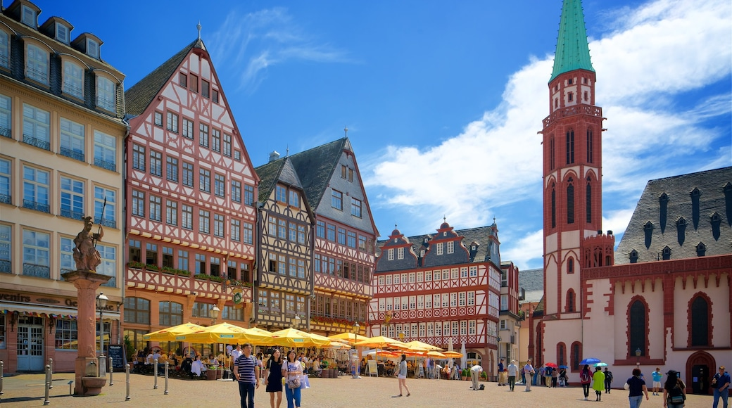 Romerplatz featuring heritage elements, a statue or sculpture and a square or plaza