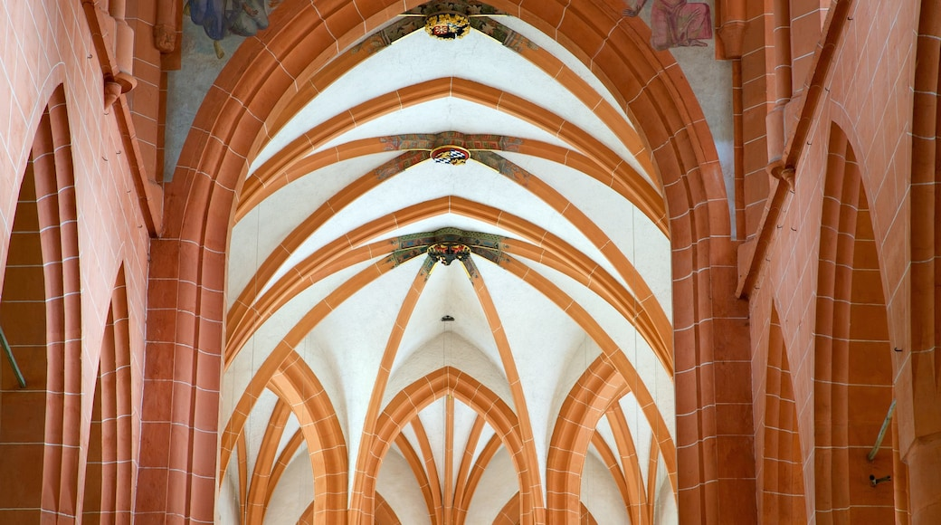 Heiliggeistkirche das einen Geschichtliches, Kirche oder Kathedrale und Innenansichten