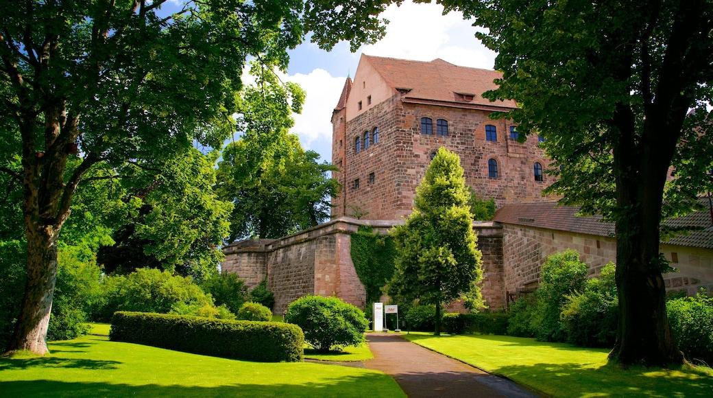Nürnbergin linna johon kuuluu perintökohteet ja puutarha