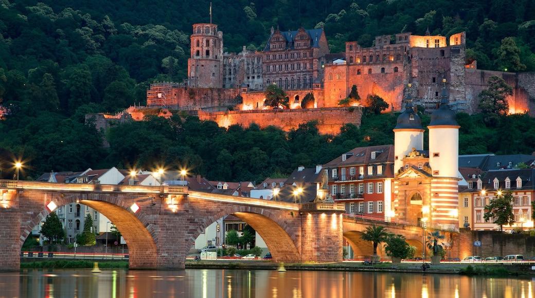 Karl-Theodor-Brücke das einen Fluss oder Bach, Brücke und Geschichtliches