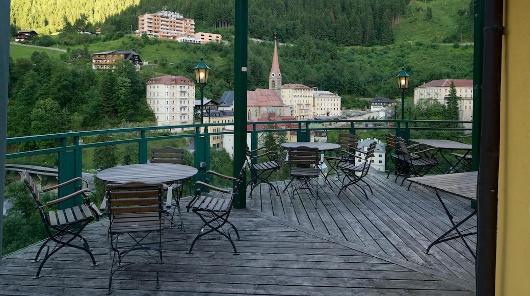 Bad Gastein – Pongau das einen Kleinstadt oder Dorf und Ansichten
