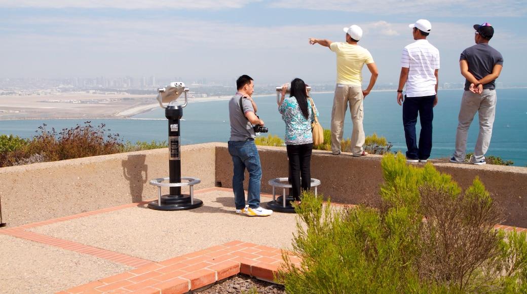 Monumento Nacional a Cabrillo mostrando vistas de paisajes, una bahía o puerto y vistas generales de la costa
