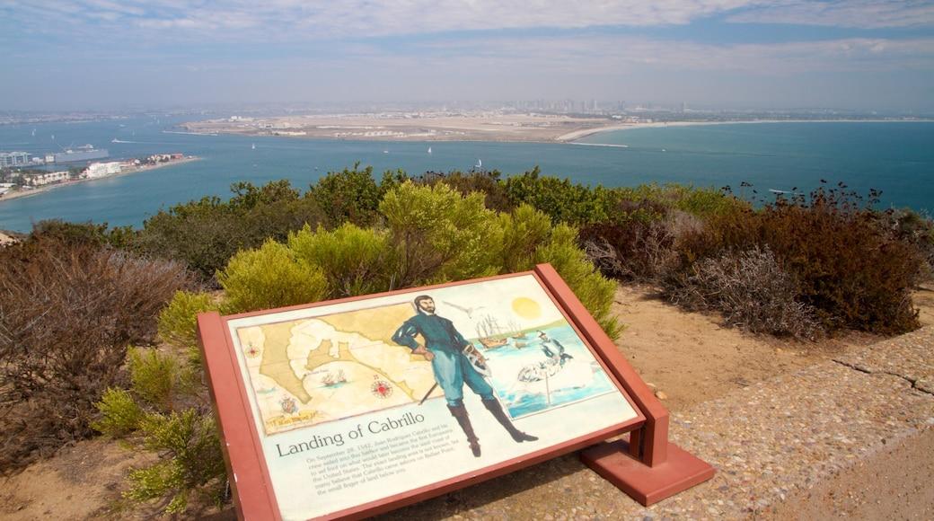 Monumento Nacional a Cabrillo que incluye un monumento, vistas generales de la costa y vistas de paisajes
