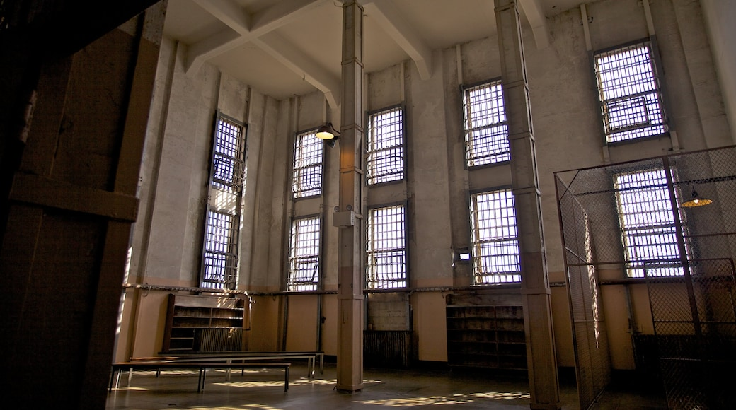 Alcatraz das einen Innenansichten und historische Architektur