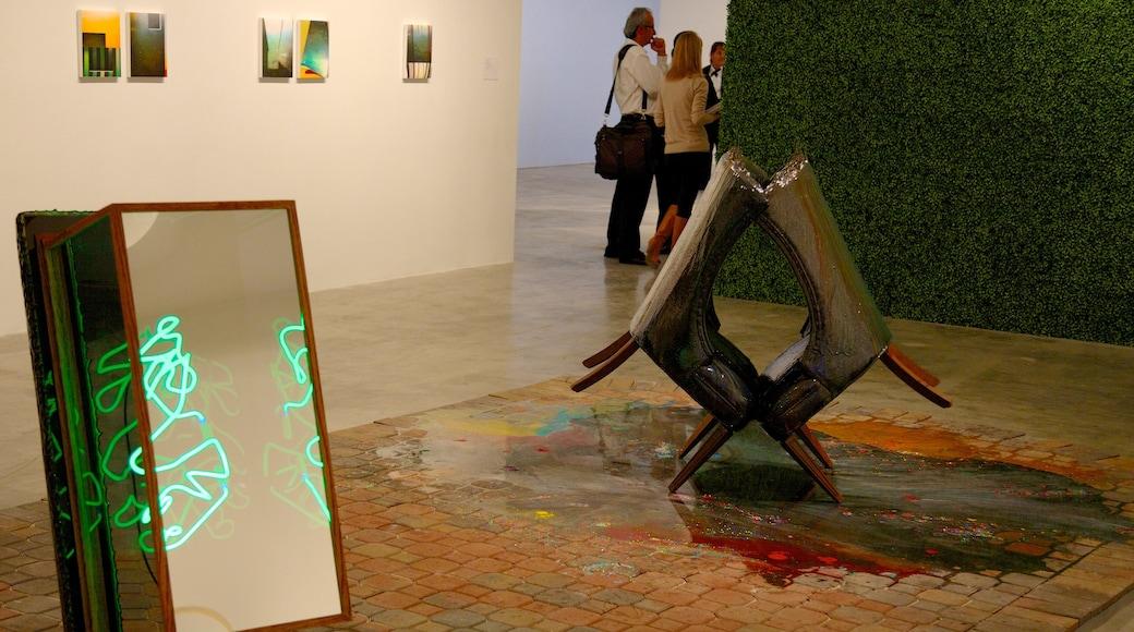 Perez Art Museum Miami toont interieur en kunst