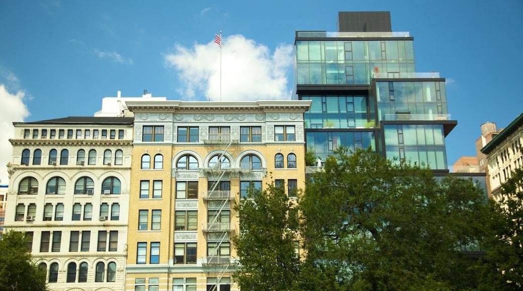 Union Square che include città e oggetti d\'epoca