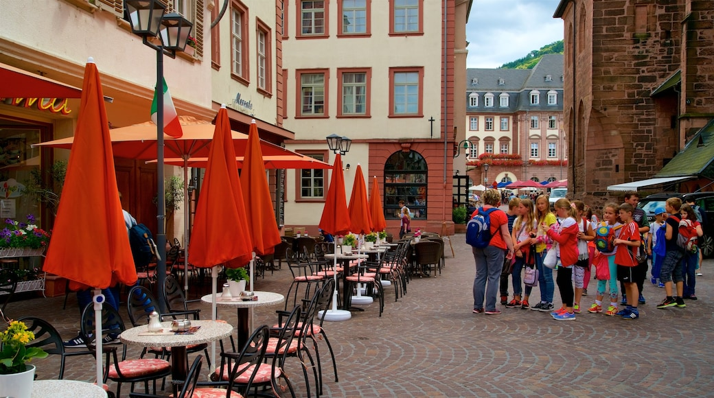 Marktplatz sowie Kinder