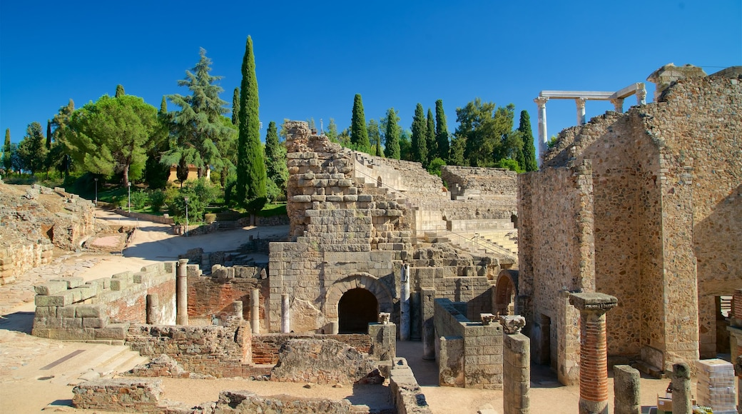 Teatro y anfiteatro romanos
