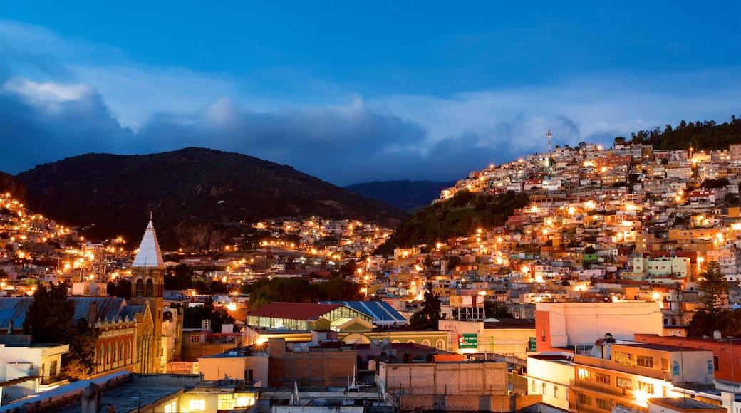 Pachuca mostrando una ciudad, escenas nocturnas y vistas de paisajes