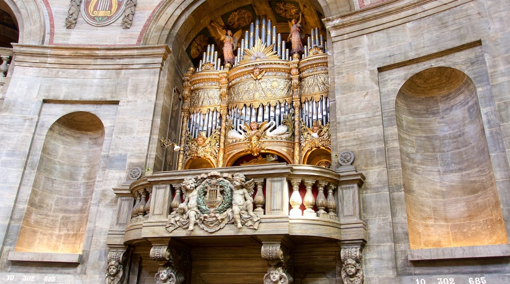 Frederikskirken som viser interiør, en kirke eller en katedral og kulturarvsgenstande
