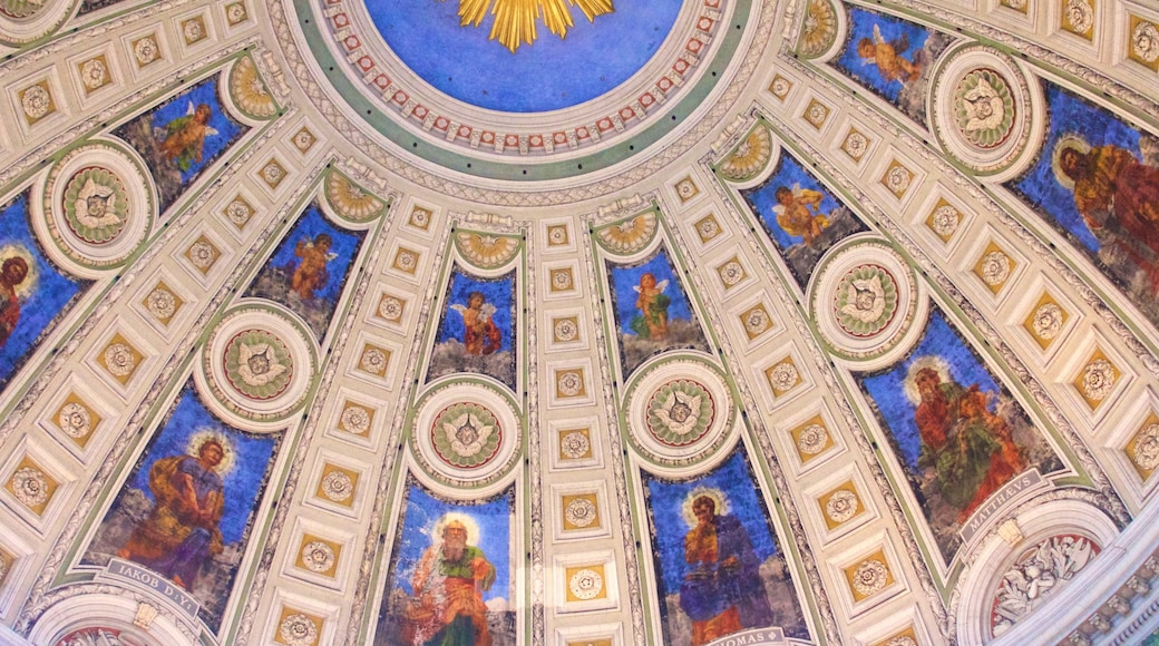 Frederikskirken som viser religiøse aspekter, kunst og interiør