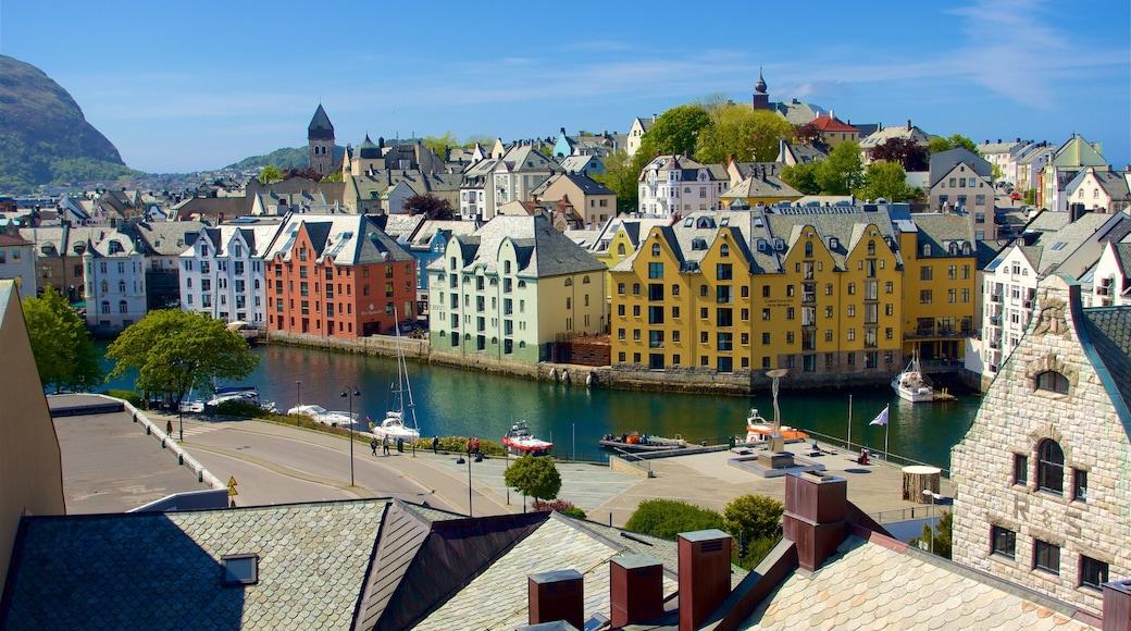 Ålesund - Møre og Romsdal caratteristiche di fiume o ruscello e città