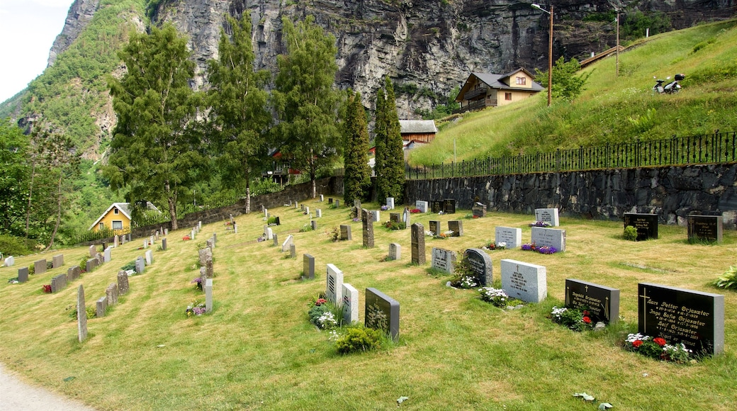 Alesund - More og Romsdal showing a cemetery