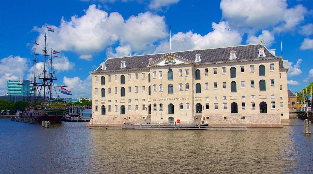 Scheepvaartmuseum inclusief een baai of haven