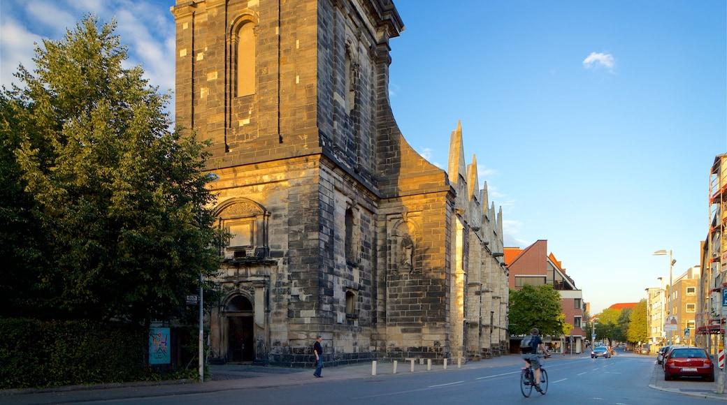 Aegidienkirche welches beinhaltet Sonnenuntergang und Geschichtliches