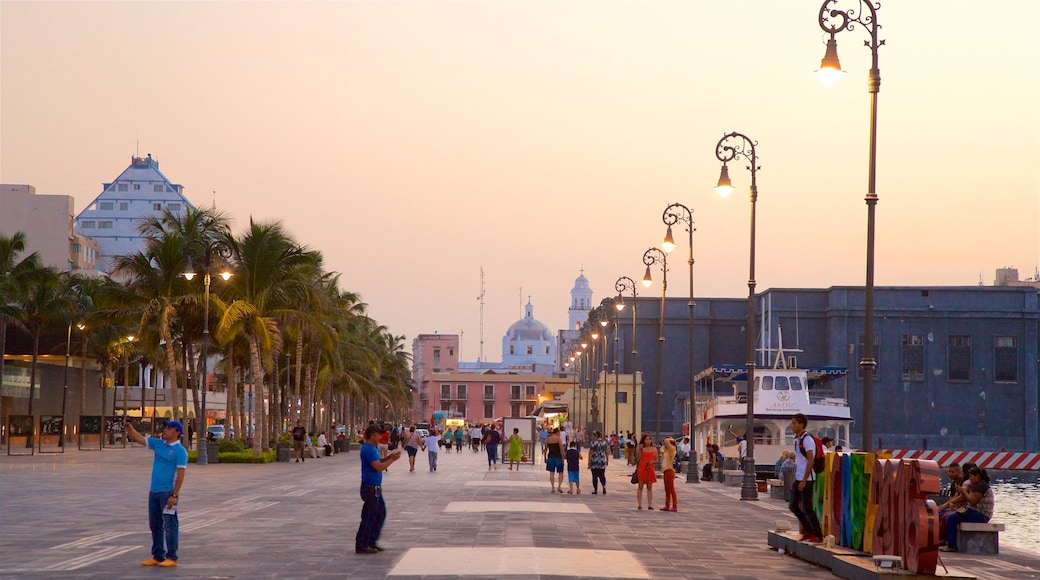 Veracruz Harbour showing a square or plaza, a sunset and a city