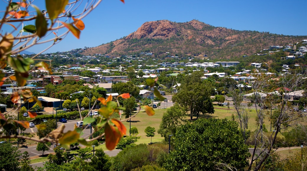 Townsville showing landscape views, mountains and a small town or village