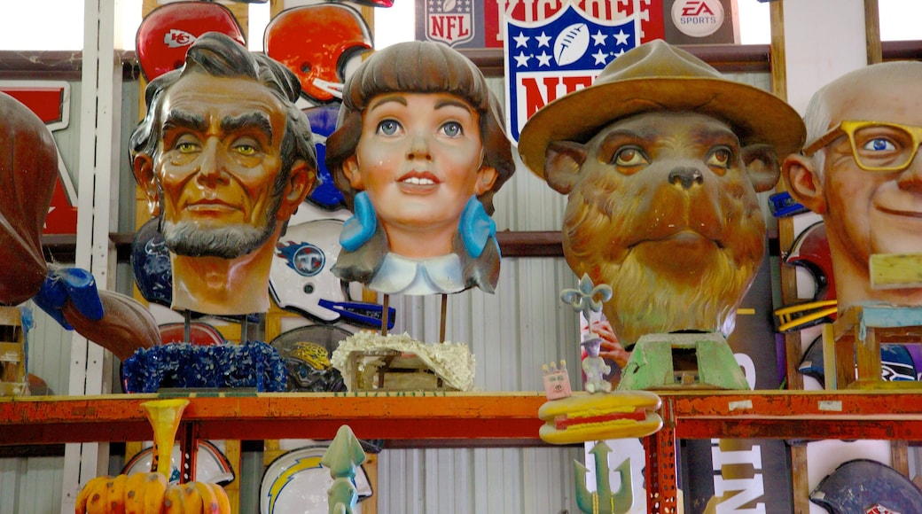 Mardi Gras World showing art, signage and outdoor art