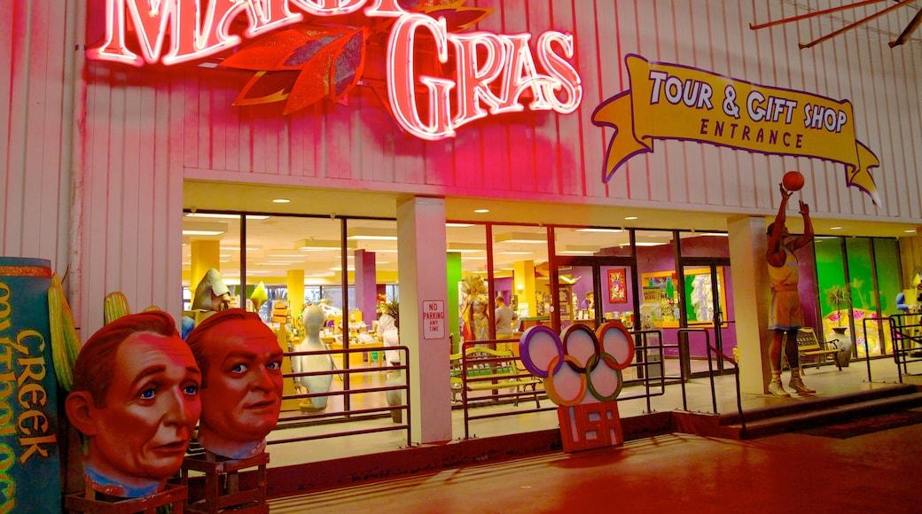 Mardi Gras World แสดง ย่านธุรกิจใจกลางเมือง และ ป้าย