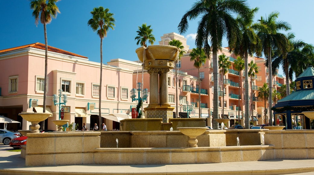 Mizner Park showing a city and a square or plaza