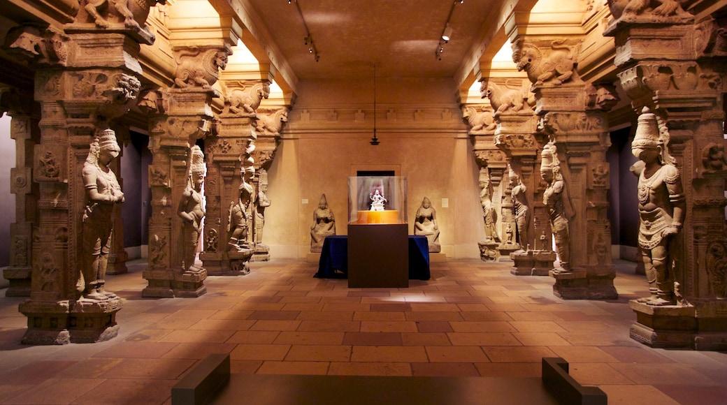 Philadelphia Museum of Art featuring interior views and art