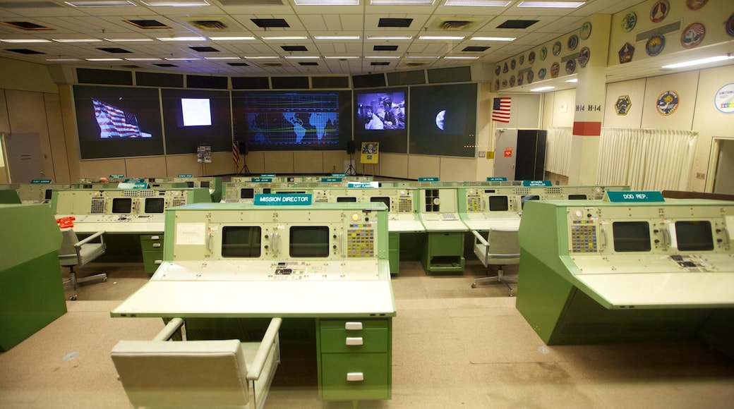 Centro Espacial de Houston caracterizando vistas internas