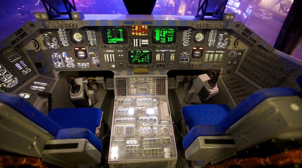 Space Center Houston som inkluderar flygplan och interiörer