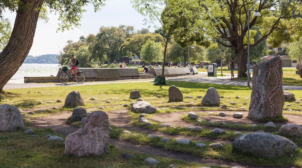 Sigtuna featuring a park
