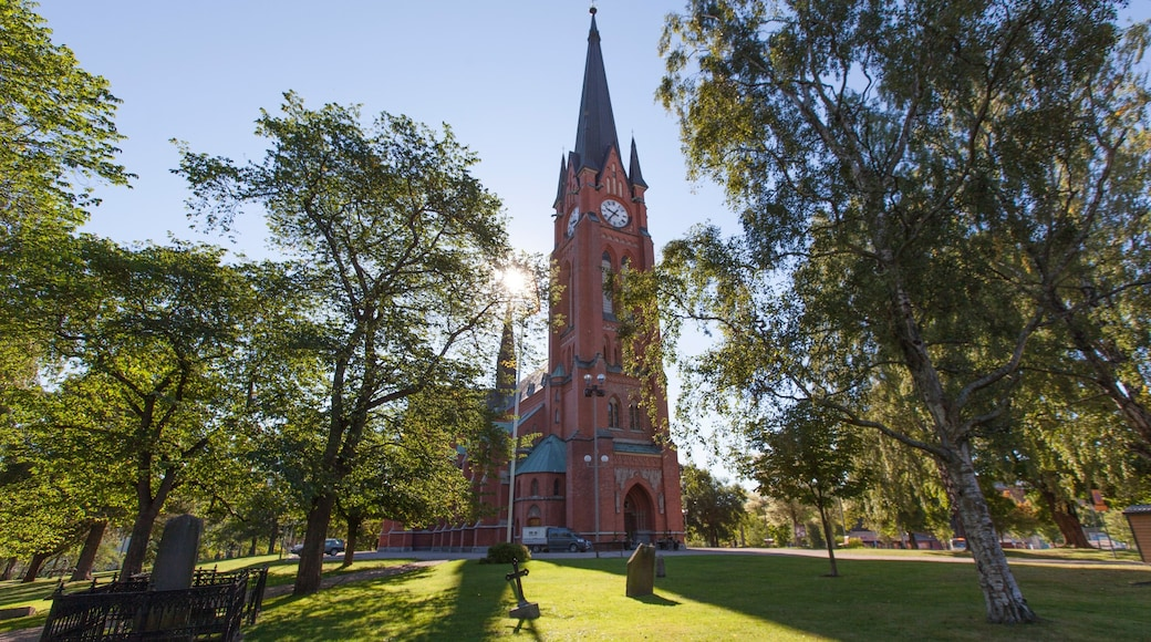 Sundsvall welches beinhaltet Garten, Kirche oder Kathedrale und Geschichtliches