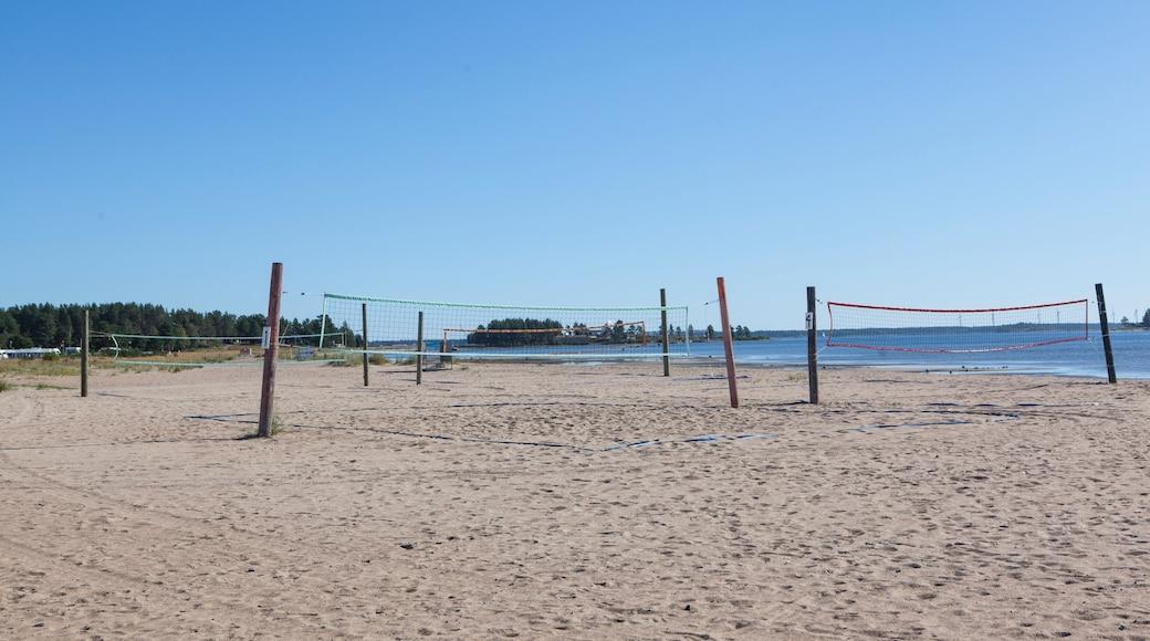 Pitea montrant plage de sable et vues littorales