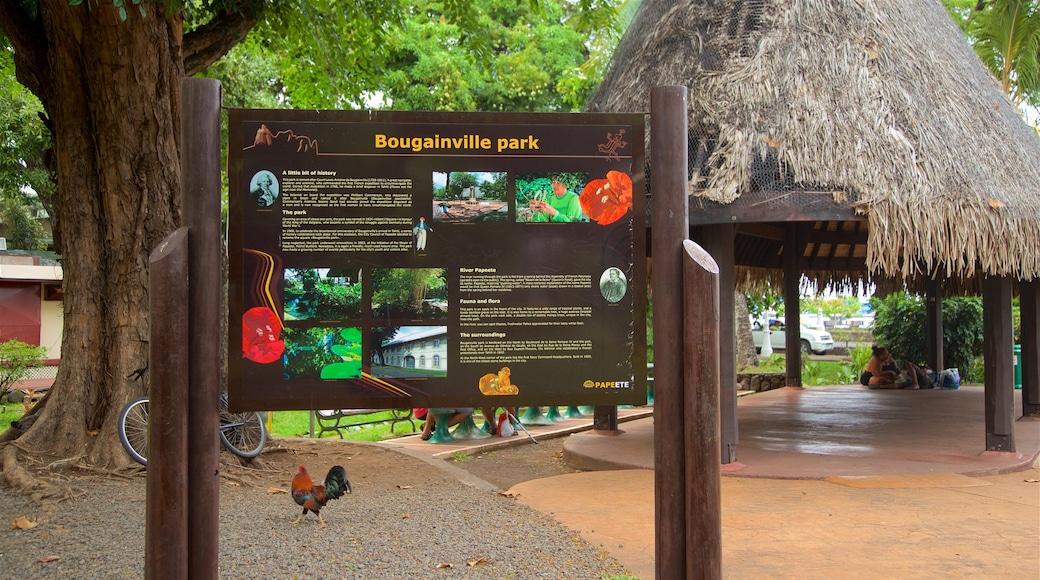Parc Bougainville mit einem Beschilderung und Garten