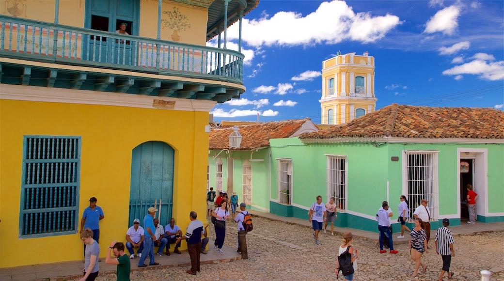 Plaza Mayor sowie kleine Menschengruppe