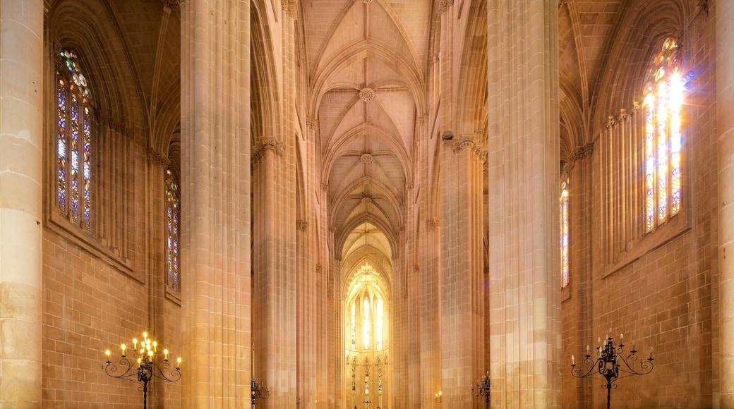 Batalha Monastery mit einem Innenansichten, Kirche oder Kathedrale und Geschichtliches