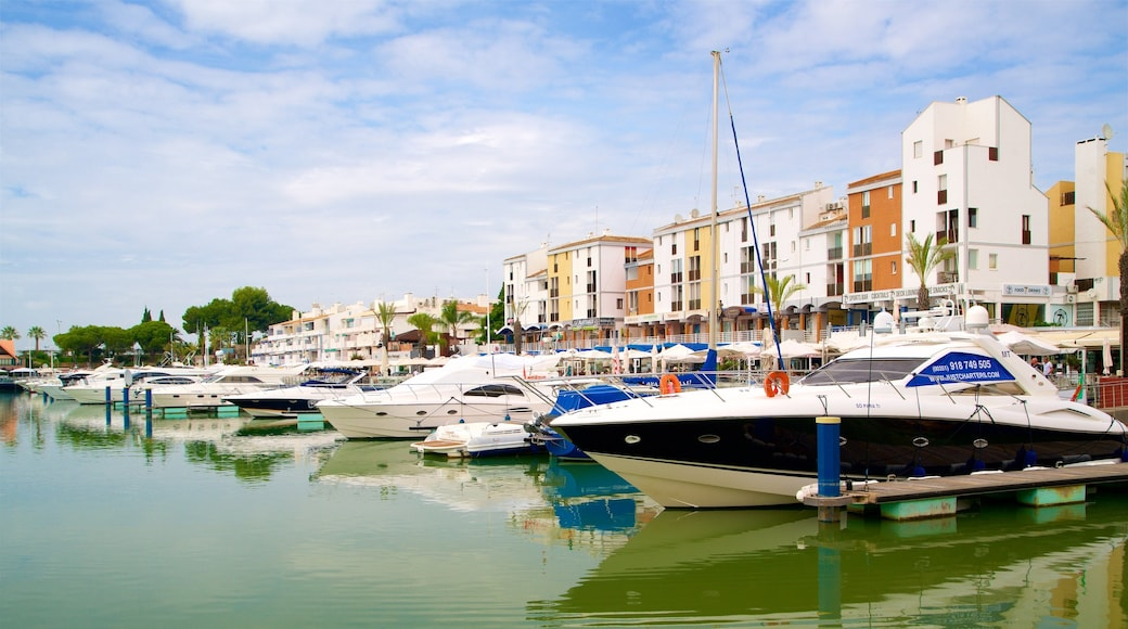 Vilamoura Marina showing a bay or harbour