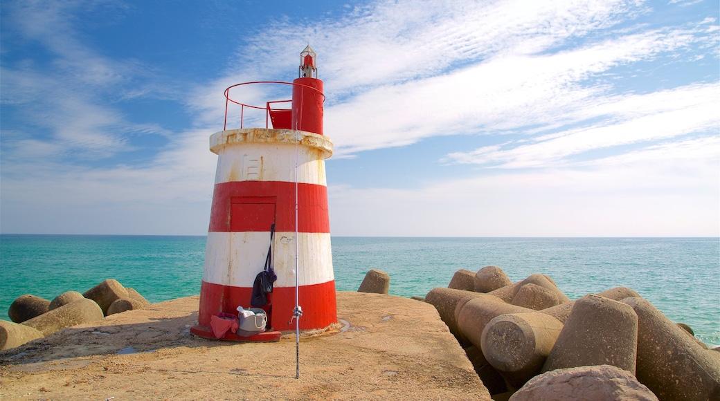 Spiaggia Ilha de Tavira caratteristiche di faro e vista della costa