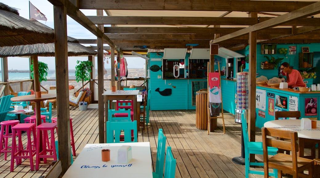 Faro Island Beach which includes café lifestyle