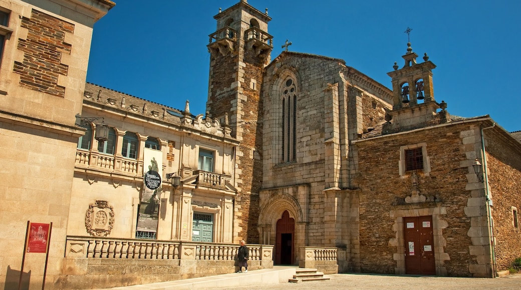 Lugo showing a church or cathedral and heritage elements