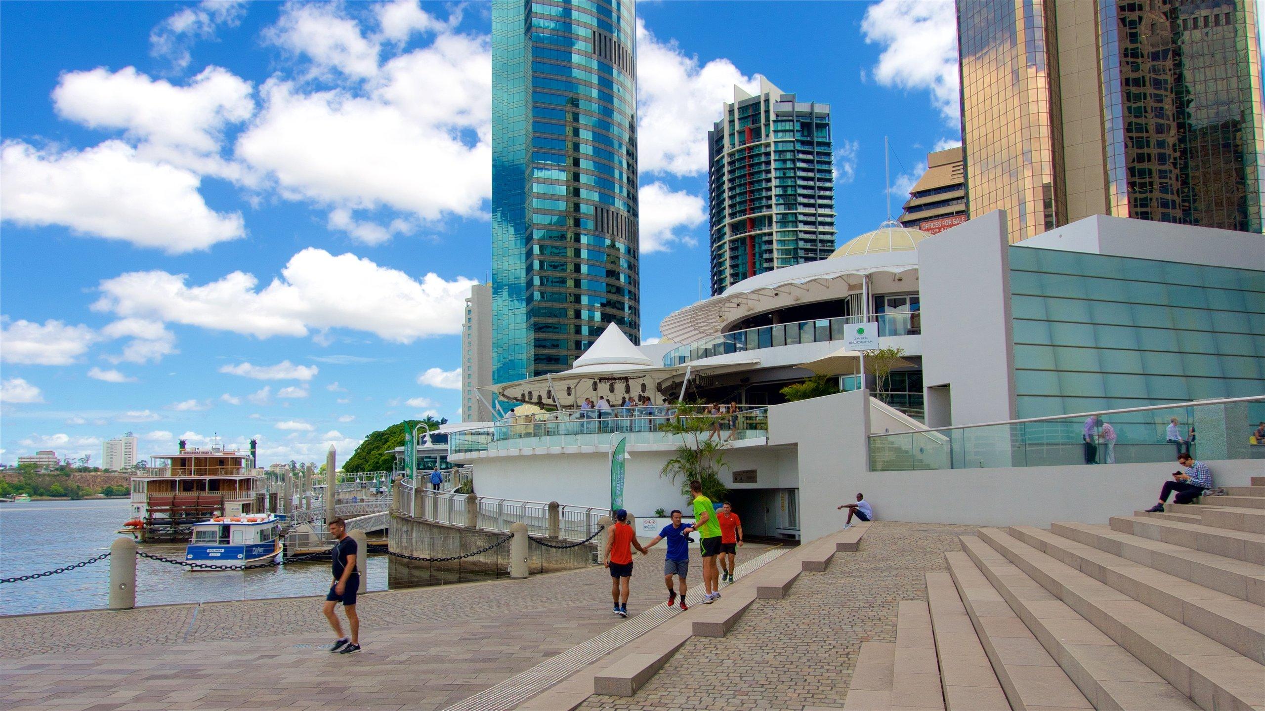 Brisbane har en fin hamn som heter Eagle Street Pier. Njut av museerna och besök butikerna i detta kulturella område.