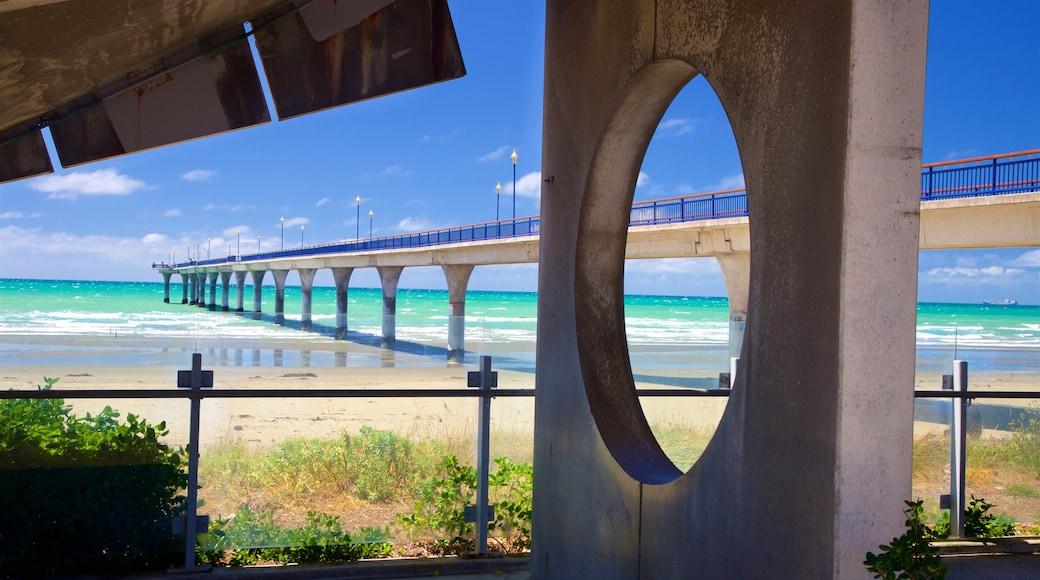 New Brighton Beach showing a sandy beach and general coastal views