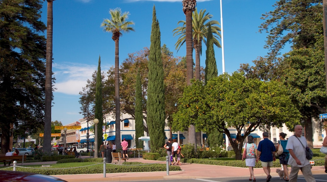 Old Towne which includes a park
