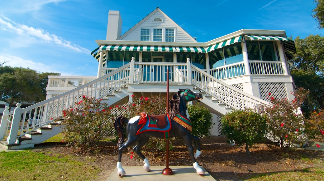 Art Museum of Myrtle Beach featuring a small town or village