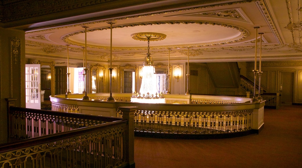 Majestic Theater featuring theatre scenes and interior views