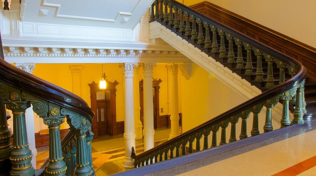 Capitolio de Texas mostrando un edificio administrativo, vistas interiores y patrimonio de arquitectura
