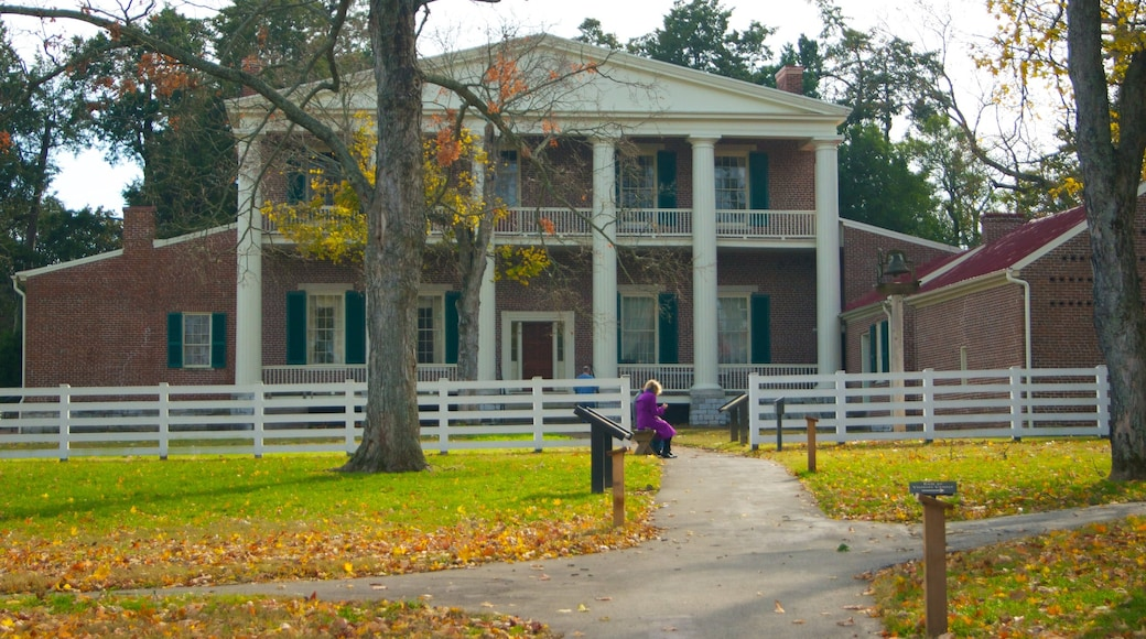 The Hermitage which includes fall colors, a house and heritage architecture