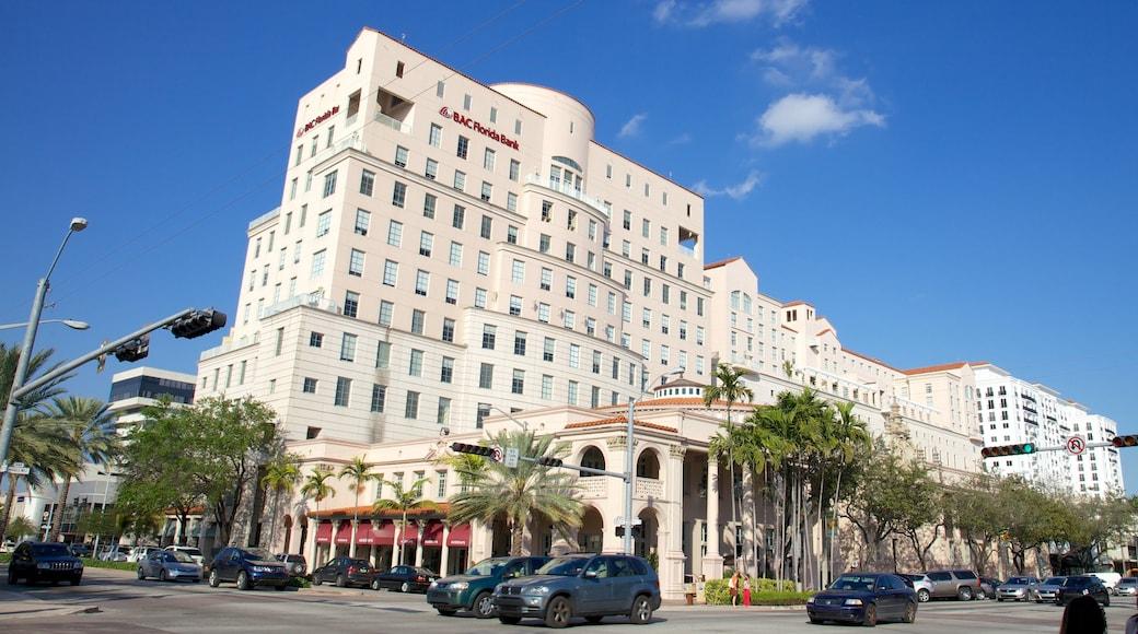 Miracle Mile toont straten, een hotel en een stad