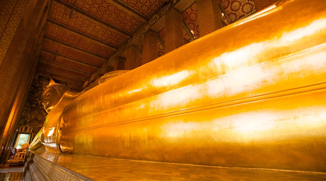Wat Pho which includes religious aspects, interior views and a temple or place of worship