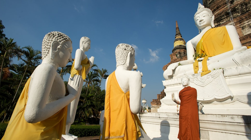 Ayutthaya showing a statue or sculpture, religious elements and a monument