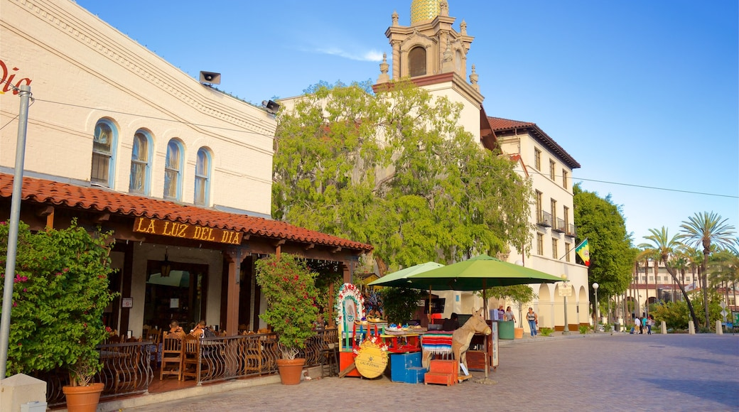 Olvera Street showing a square or plaza