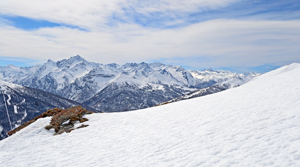 Sestriere which includes landscape views, snow and mountains