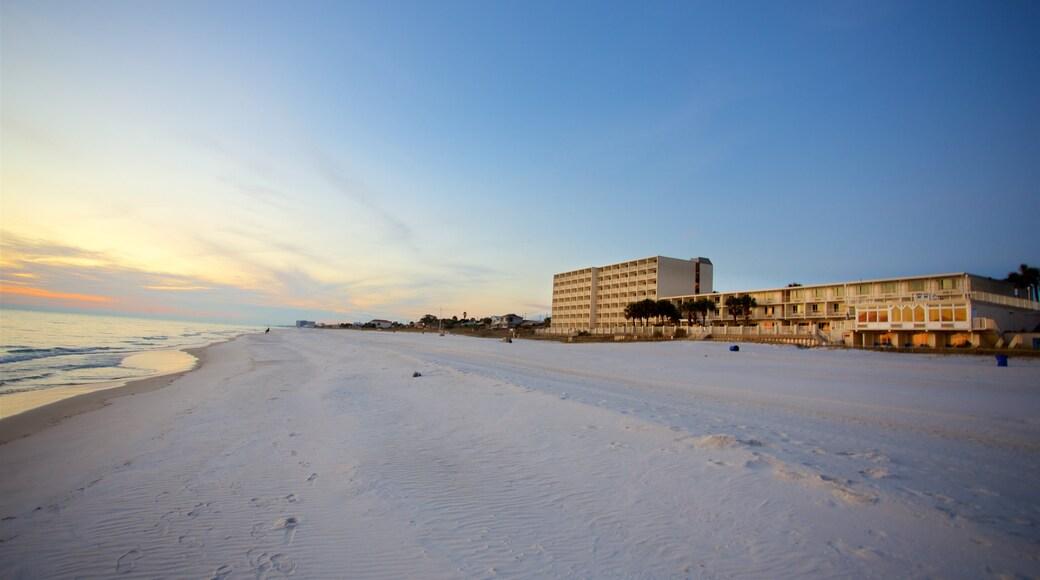 Panama City Beach qui includes ville côtière, vues littorales et plage